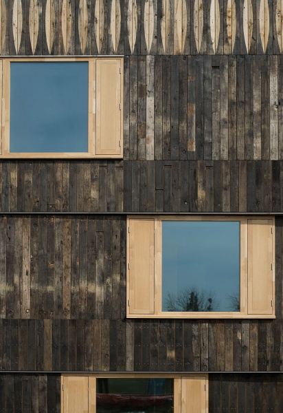 Cowan Court Churchill College University of Cambridge reclaimed oak facade is complete & 6a architects